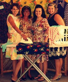Hoity Toity Crafts - Photo booth from vintage themed bridal shower