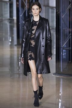 Anthony Vaccarello Fall/Winter 2016-2017 READY-TO-WEAR Fashion Show