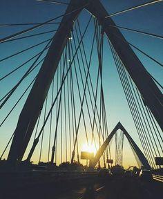 Atardecer desde el puente Matute Remus.  Foto por: @jair_ayon  #Guadalajara #enguadalajara #gdl #gdlmx #megustagdl #igersmexico #igersguadalajara #mextagram #mexico #mexicoandando #sol #calle  #arquitecturamx #arquitectura #archilovers #vallarta #beautiful #urban #urbano #arcos #urbanexploration #perspective #photography #photooftheday #travel #wanderlust #liveauthentic