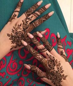 Mehndi design is one of the most authentic arts for girls. The ladies who want to decorate their hands with the best mehndi designs. Finger Henna Designs, Arabic Henna Designs, Mehndi Designs For Girls, Modern Mehndi Designs, Mehndi Design Photos, Wedding Mehndi Designs, Mehndi Designs For Fingers, Beautiful Mehndi Design, Henna Tattoo Designs
