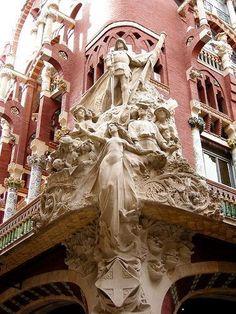 Palau de la Música Catalana - Barcelona by Vesuvianite, via Architecture Antique, Beautiful Architecture, Beautiful Buildings, Art And Architecture, Architecture Details, Beautiful Places, Reims France, Art Nouveau Arquitectura, Barcelona Catalonia