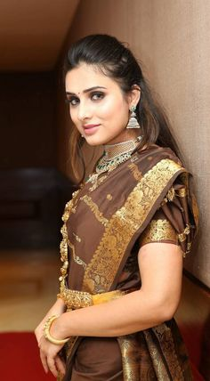 Nikitha Chaturvedi wallpaper by sarushivaanjali - - Free on ZEDGE™ Beauty Girls, Beauty Women, Girl Pictures, Girl Photos, Most Beautiful Bollywood Actress, Glamorous Makeup, Elegant Saree, South Indian Bride, Cute Girl Photo