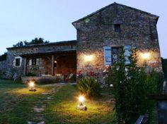 Ik zie me zelf hier al helemaal zitten, s'avonds luisterend naar de krekels, met een lekker glas wijn, genietend van de avond warmte...Vakantiehuizen Aquitaine, Dordogne Dordogne Fumel-Aigueparse huis code:2431.#Vakantiehuizen #Vakantie #Frankrijk #Dordogne #dordonge #France