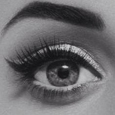 wish i had big eyes.