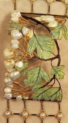 Lalique Dog Collar with Hawthorne Leaves & Berries Plaque | artistsandart.org