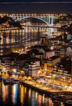 Porto à noite www.webook.pt #webookporto #porto #bestviews