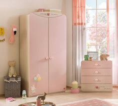 To accommodate the entire kindergarten collection, a baby wardrobe is of the utmost importance. Kids Bedroom Designs, Living Room Designs, Small Dressing Rooms, One Bed, Hanging Rail, Retro Home Decor, Baby Bedroom, Tall Cabinet Storage, Small Spaces