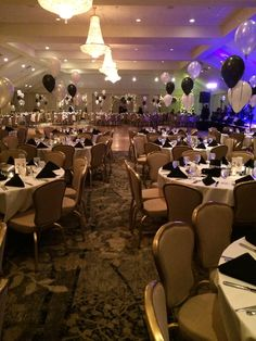Springfield Country Club's 2014 New Year's Eve Celebration with Chico's Vibe!