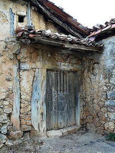 Door 2 Puerta 2 by Agustin Casado Cool Doors, Unique Doors, Old Windows, Windows And Doors, Front Doors, Closed Doors, Door Knockers, Doorway, Stairways