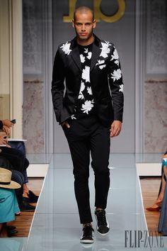Roccobarocco Spring-summer 2015 - Menswear - http://www.flip-zone.com/fashion/menswear/roccobarocco-5000 - ©PixelFormula