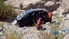 Ica: Vehículo cae a abismo de 100 metros y mueren tres personas