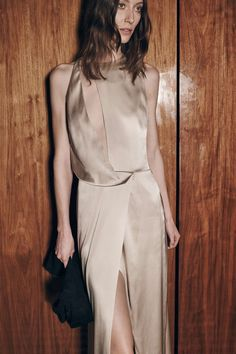 See the complete Halston Heritage Fall 2016 Ready-to-Wear collection.