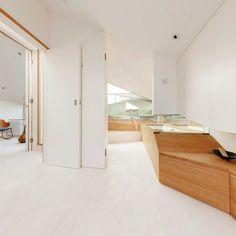 Moderne Maisonette Wohnung Mit Hellen, Ineinanderfließenden Räumen #enden  #hellen #ineinanderflie #