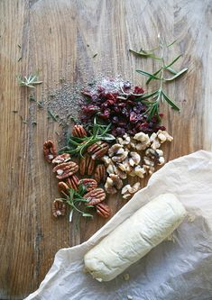 Cranberry Rosemary Nut Cheese Log : Vegan, Gluten free, Paleo