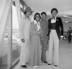 Canvas Print (other products available) - Gladys Knight and the Pips, on their arrival from the United States. Group (left to right) William Guest, Gladys, Edward Patton and Merald Knight. - Image supplied by PA Images - Canvas Print made in Australia I Love Music, Kinds Of Music, Music Flow, Gladys Knight, Heathrow Airport, Aretha Franklin, National Photography, Black History, Music Artists