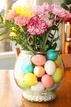 Pretty centerpiece for Easter