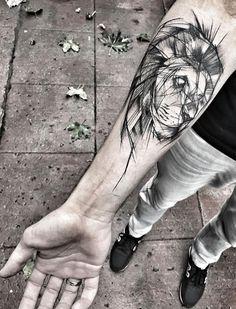 Inez Janiak lion tattoo