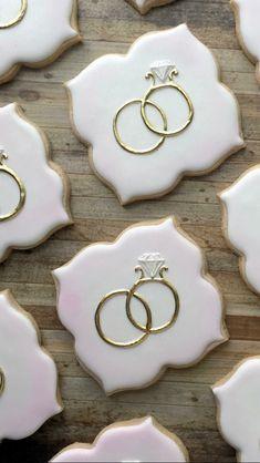 Iced Cookies, Cut Out Cookies, Cute Cookies, Royal Icing Cookies, Cupcake Cookies, Sugar Cookies, Cookies Et Biscuits, Wedding Shower Cookies, Wedding Cake Cookies