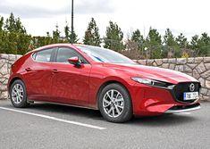 Nová Mazda 3 už dorazila na český trh. S benzinovým motorem jezdí fantasticky! Mazda 3, Ford Explorer, Peugeot, Bmw