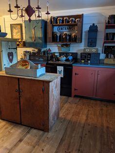 Primitive Kitchen Decor, Prim Decor, Primitive Furniture, Country Decor, Furniture Decor, Rustic Decor, Primitive Country, Colonial Kitchen, Country Kitchen
