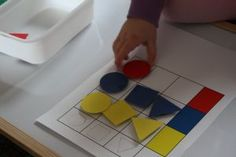 Přiřazování dle tvaru a barvy