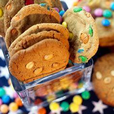 Maapähkinävoikeksit (Peanut Butter Cookies)
