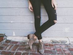 distressed skinny & petty bootie How to wear suede booties!