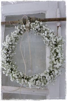 lilleweiss: Gypsophila AnnikaHo Home White Wedding Flowers, Bridal Flowers, What Is Wedding, Fleurs Diy, Wedding Decorations, Table Decorations, Bride Bouquets, Diy Garden Decor, Floral Wreath