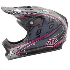 The best looking Troy Lee Lid ever designed. Wish I bought one when they were available. On the case if getting one again