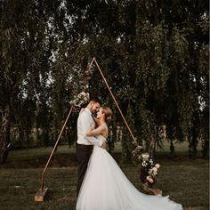 chetres (@chetreseventdeco) • Instagram-fényképek és -videók Wedding Dresses, Instagram, Fashion, Bride Dresses, Moda, Bridal Gowns, Fashion Styles, Weeding Dresses, Wedding Dressses
