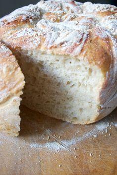 Hämmentäjä: Vaivaamaton leipä eli ilmiömäinen leipä. No-knead bread, phenomenal.