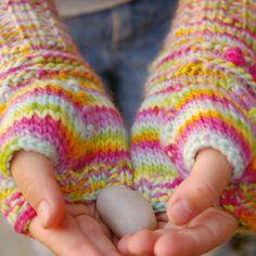 Free Pattern Beneath the Rowan Tree: Stay Warm :: A Kid's Fingerless Mitten Knitting Pattern #knitting #pattern