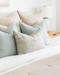 Up House, Cozy House, Home Bedroom, Bedroom Decor, Bedroom Ideas, Bedroom Beach, Master Bedroom, Apartment Decoration, Romantic Home Decor
