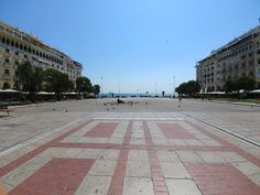 Aristotelous Square, 125° Wide Angle LG G6.