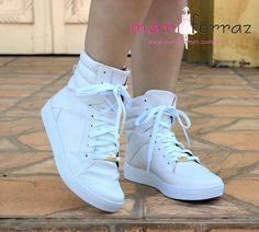 92a46f767b 50 melhores imagens de Sapato  Tenis no Pinterest