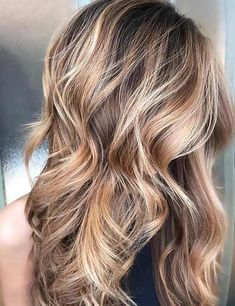 25 Gorgeous Highlight Ideas For Dark Hair Highlights can add depth, texture, and dimension to your hair. Check out these 25 most gorgeous highlight looks for dark hair. Blond Ombre, Brown Blonde Hair, Brown Hair With Highlights, Light Brown Hair, Brown Hair Colors, Medium Blonde, Fall Hair Colors, Brunette Hair, Ombre Hair