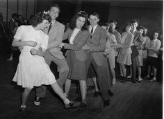 saddle-shoes Lindy Hop, Vintage Love, Vintage Photos, Retro Vintage, Rockabilly, Swing, Saddle Shoes, Retro Girls, Shall We Dance