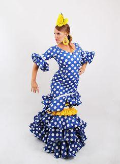 Trajes de flamenca en oferta azulón desde 99 €. #trajesdeflamenca #modaflamenca2015 #modaflamenca #elrocio