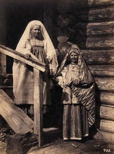 Russian peasants, cabin, well off, 1880s
