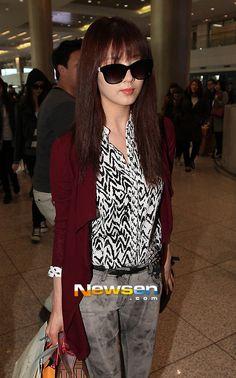 http://okpopgirls.rebzombie.com/wp-content/uploads/2013/03/SNSD-Seohyun-airport-fashion-March-11-03.jpg