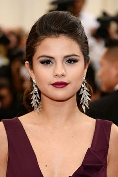 The Beauty Looks You Absolutely Can't Miss from the 2014 Met Gala Red Carpet Wine Lipstick, Oxblood Lipstick, Dress Makeup, Prom Makeup, Bridesmaid Makeup, Nude Makeup, Makeup Eyes, Bridesmaids, Celebrity Wedding Hair