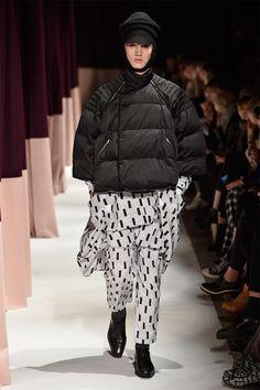 Henrik Vibskov showed his Fall/Winter 2015 collection during Copenhagen Fashion Week. Blanket Coat, Copenhagen Fashion Week, Fall Winter 2015, Nordic Style, City Chic, Her Style, Winter Fashion, Winter Jackets, Menswear