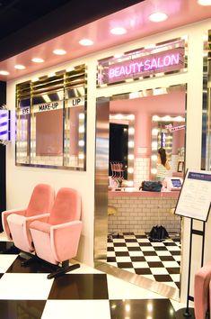 Hair Salon Inspiration- Decor Ideas and Design Buyrite Beauty Salon Equipment Home Nail Salon, Nail Salon Decor, Beauty Salon Decor, Beauty Salon Interior, Makeup Studio Decor, Home Beauty Salon, Beauty Salons, Salon Interior Design, Salon Design