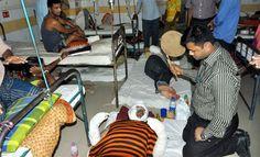 কুমিল্লার চান্দিনায় যাত্রীবাহী বাসে পেট্রোলবোমা হামলায় জড়িত দুর্বৃত্তদের গ্রেফতারে যৌথ অভিযান শুরু হয়েছে। এ ঘটনা তদন্তে পাঁচ সদস্যের একটি কমিটি করেছে প্রশাসন।কুমিল্লা জেলা প্রশাসক মো. হাসানুজ্জামান কল্লোল ও পুলিশ সুপার মো. শাহ আবিদ হোসেন বুধবার জানান, দুর্বৃত্তদের গ্রেফতারে র্যাব-বিজিবি