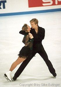 Ice Dancing is my favorite sport ( to watch ) and Jayne Torvill & Christopher Dean are magical.3rd place at the Olympics, ha! They are and will always be #1.  This number was fantastic!