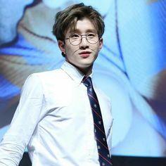 jinjin and glasses aaaaaaaaaa <---- i've never agreed with something more in my life
