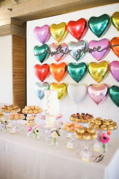 Heart-themed Valentine's birthday party Decoration Disco, Valentines Day Party, Backdrops For Parties, 1st Birthday Parties, Birthday Table, 1st Birthdays, Birthday Balloons, Birthday Ideas, Diy Craft Projects