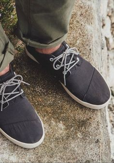 b8701f42c02 Try TOMS Paseo Mids  not only are they styled to the nines