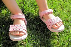 pediped Flex Lynn Sandals: Stylish and Comfortable Shoes for Children - ad