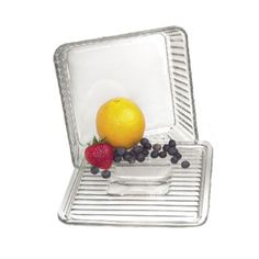 9 x 9 glass baking pan with lid. Anchor Hocking - Ohio made!